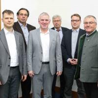 Dr. Denny Ohnesorge, Ahmed Al Samarraie, Staatssekretär Jochen Flasbarth, Josef Schafhausen, Johannes Niedermeyer, Xaver Haas (v.l.n.r.)<br><span style='float:right; font-size:11px;font-weight:normal;'>© © BMUB, Sascha Hilgers</span>