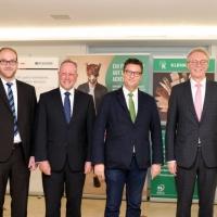 Forstminister Hauk eröffnet den Kommunalwettbewerb HolzProKlima in Baden-Württemberg<br><span style='float:right; font-size:11px;font-weight:normal;'>© Initiative HolzProKlima</span>