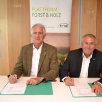 Unterzeichnung der Rahmenvereinbarung Eldat<br><span style='float:right; font-size:11px;font-weight:normal;'>© Plattform Forst & Holz</span>
