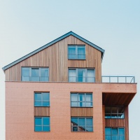 Holzbau<br><span style='float:right; font-size:11px;font-weight:normal;'>© Unsplash</span>