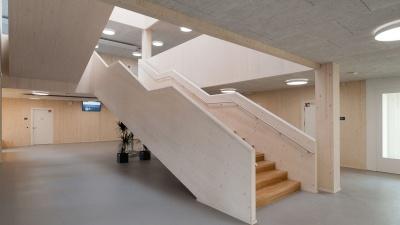 Innenansicht der Integrierten Sekundarschule Mahlsdorf<br><span style='float:right; font-size:11px;font-weight:normal;'>© SenBJF</span>